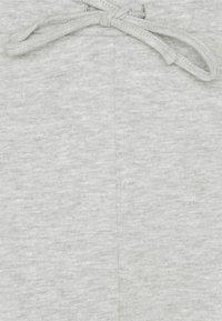 VILA PETITE - VIRUST - Tracksuit bottoms - light grey melange - 2