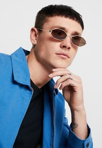 Alexander McQueen - Sunglasses - silver-coloured - 1