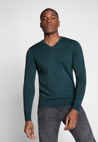 TOM TAILOR - BASIC VNECK - Jersey de punto - deep pond green - 0