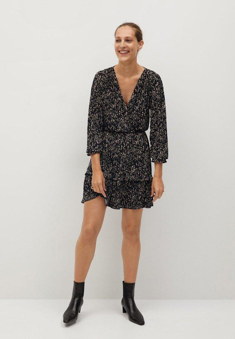 Mango - MOSS7 - Jersey dress - středně hnědá