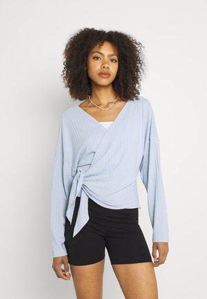 LUXURIOUS WRAP - Long sleeved top - light blue