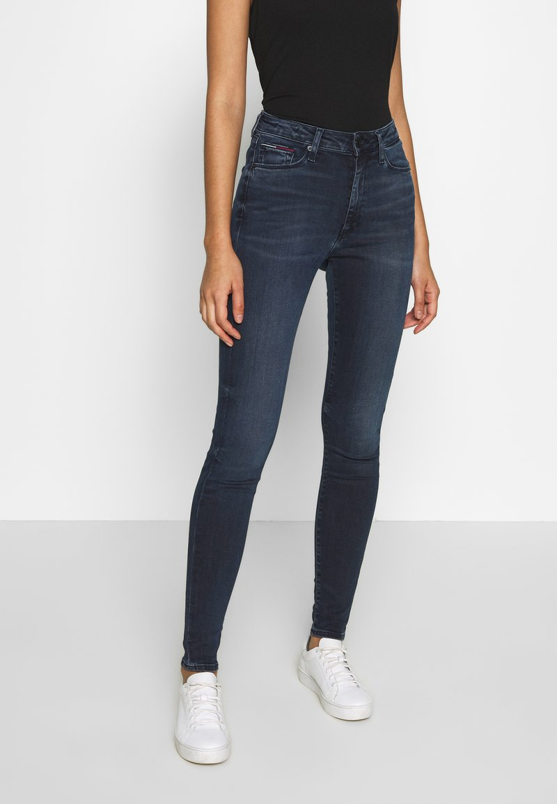 Tommy Jeans - SYLVIA HIGH RISE SUP SKY - Jeans Skinny Fit - dark-blue denim