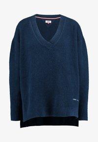 Tommy Jeans - SIDE SLIT V NECK - Pullover - black iris - 3