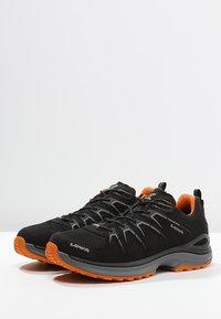 Lowa - INNOX EVO GTX - Hiking shoes - schwarz/orange - 2