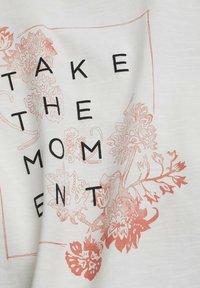 edc by Esprit - Print T-shirt - off white - 8