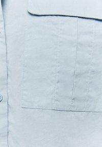 TALLY WEiJL - MIT KNÖPFE - Button-down blouse - blue - 5