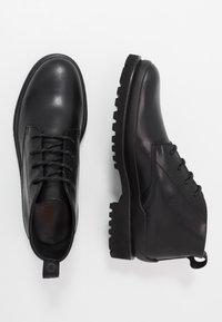 HUGO - ADVENTURER - Šněrovací boty - black - 1
