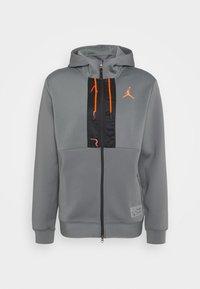 smoke grey/total orange/black