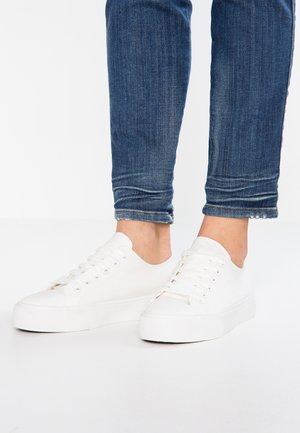 Baskets basses - white