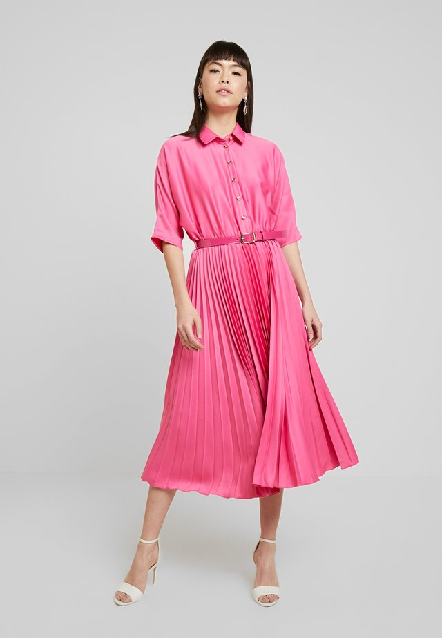 CLOSET LONDON PLEATED SKIRT DRESS - Cocktail dress / Party dress - fuschia