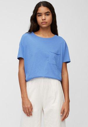 SHORT SLEEVE PATCHED POCKET LOOSE BODYSHAPE - T-shirt basic - intense blue