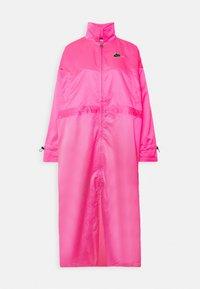 Nike Sportswear - W NSW ICN CLSH LNG JKT SATIN - Summer jacket - hyper pink - 4