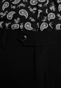 Lindbergh - CLUB PANTS - Bukser - black - 6