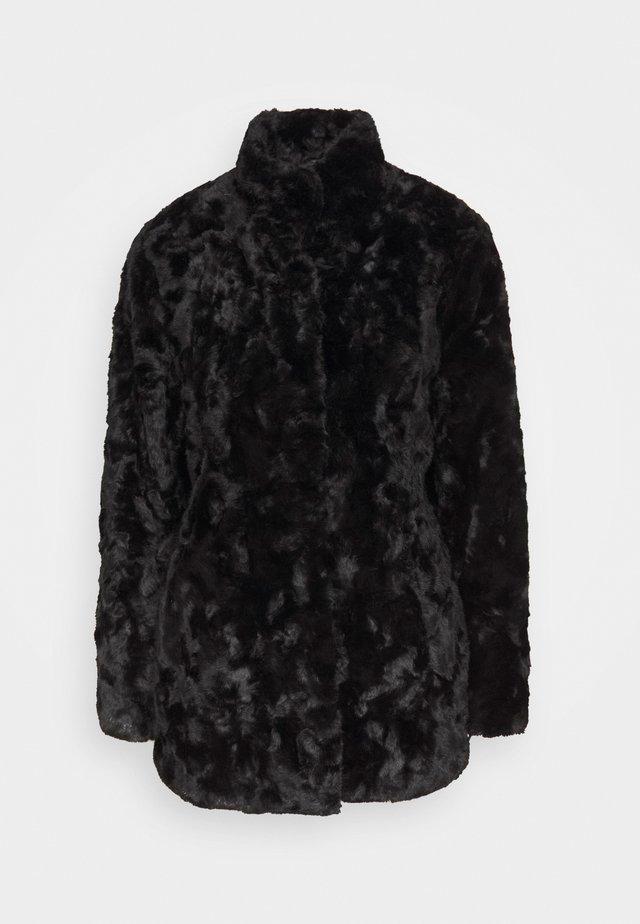 MINIMAL - Short coat - black