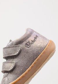 Naturino - COCOON VL - Zapatos de bebé - dunkel grau - 2