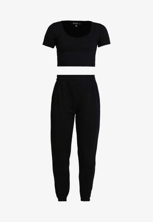 CROPPED AND BASIC SET - Pantalon de survêtement - black