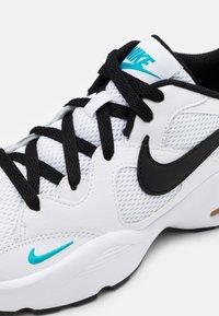 Nike Sportswear - AIR MAX FUSION  - Sneakers laag - white/black/oracle aqua/pollen rise - 5