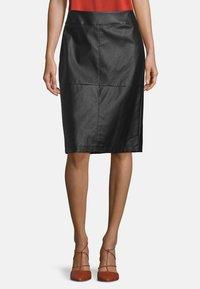 Betty Barclay - Pencil skirt - noir - 0