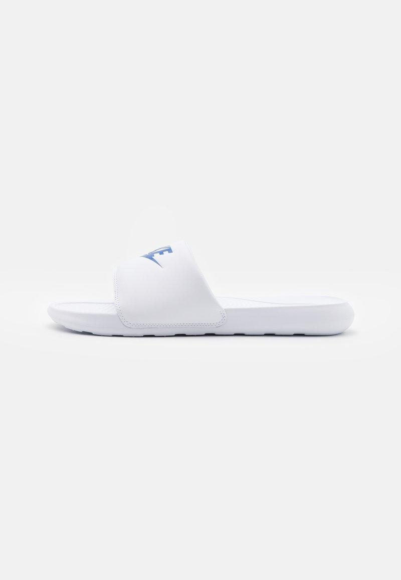 Nike Sportswear - VICTORI ONE SLIDE - Slip-ins - white/game royal