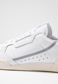 adidas Originals - CONTINENTAL 80  - Trainers - footwear white/chalk white/silver metallic - 2