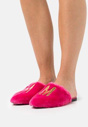 Pantofle - fuxia