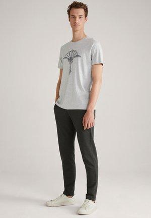 ALERIO - T-shirt med print - silver