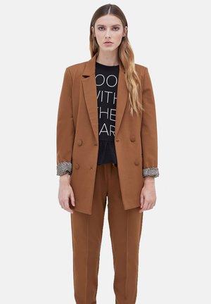 CON ANIMALIER. - Blazer jacket - marrone