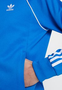 adidas Originals - SUPERSTAR ADICOLOR SPORT INSPIRED TRACK TOP - Träningsjacka - blue bird - 5