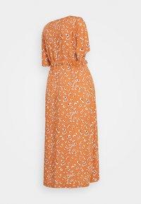Pieces Maternity - PCMBECCA MIDI DRESS - Day dress - sunburn - 1