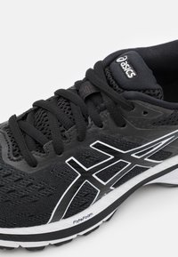 ASICS - GT-2000 9 - Stabilty running shoes - black/white - 5