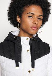 Barbour International - LIGHTNING QUILT - Light jacket - optic white/black - 3