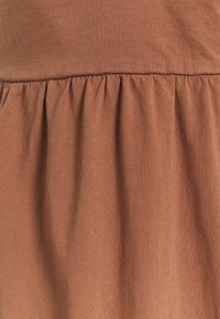 GAP - STRAPPY TIERED MIDI - Jerseyklänning - sun kissed clay - 2