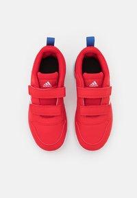 adidas Performance - TENSAUR UNISEX - Sportschoenen - scarlet/footwear white/team royal blue - 3