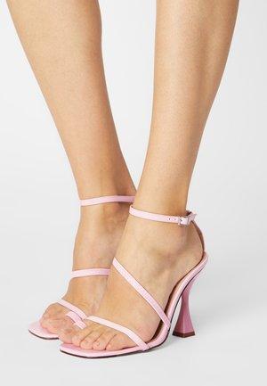 SAFIYAH - Sandały na obcasie - pink