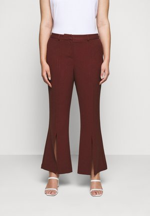TROUSERS - Bukse - rust