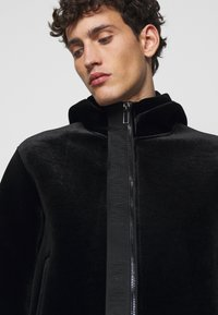 Emporio Armani - Lehká bunda - black - 5