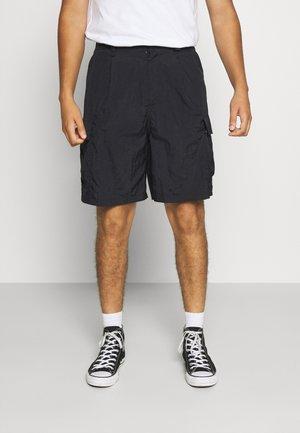 LINTON CARGO - Shorts - black