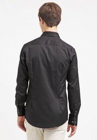 Eton - SLIM FIT - Formální košile - black - 2