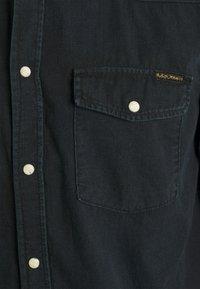 Nudie Jeans - GEORGE - Overhemd - black home - 2
