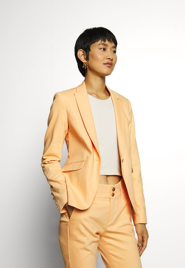 BLAKE NIGHT - Blazer - peach cobbler