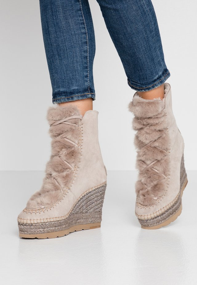 Winter boots - piedra
