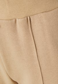 Even&Odd - WIDE LEG JOGGERS WITH PINTUCK - Tracksuit bottoms - beige - 2