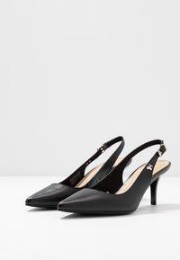 Tommy Hilfiger - FEMININE LEATHER MID SLING BACK - Classic heels - black - 4