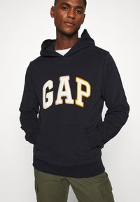 GAP - CHENILLE ARCH - Hoodie - new classic navy - 4