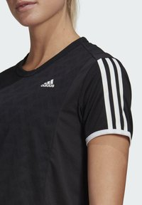 adidas Performance - OWN THE RUN 3-STRIPES ITERATION T-SHIRT - T-shirts med print - black - 4
