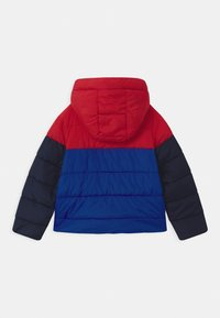 GAP - BOY PERFECT PUFFER - Jas - pure red - 1