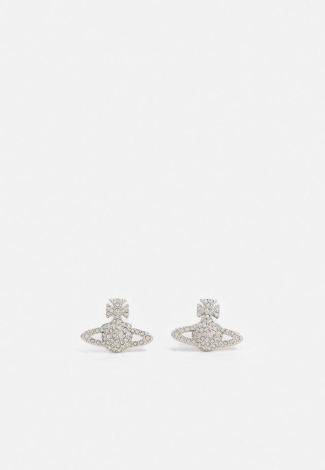 GRACE BAS RELIEF STUD EARRINGS - Kolczyki - silver-coloured