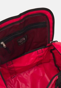 The North Face - BASE CAMP DUFFEL - XS - Sports bag - red/black - 5
