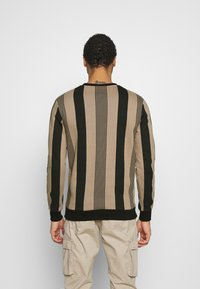 Kings Will Dream - VEDLO CREW - Sweatshirt - dark sand/black - 2