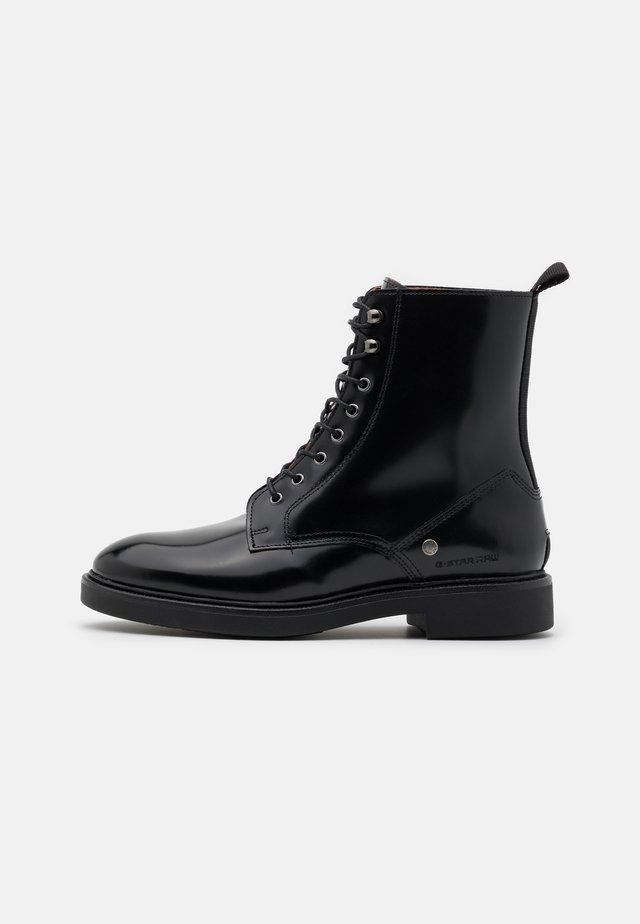 CORBEL BOOT - Stivaletti stringati - black